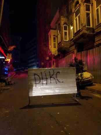 1ere barricade dans ma rue