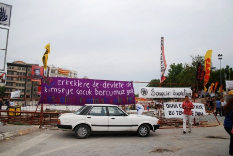 affiches place taksim
