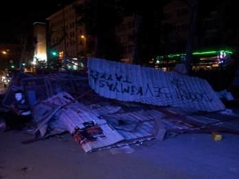 barricade sur cumhuriyet caddesis